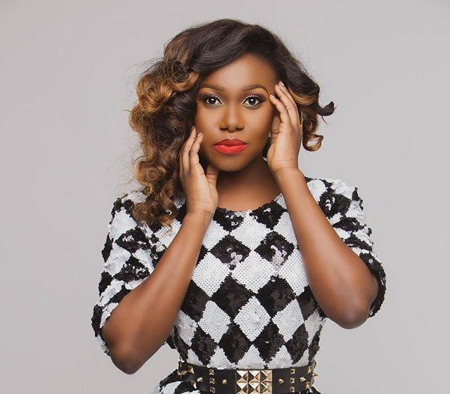 Singer Niniola Buys JAMB Forms